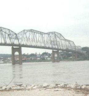 444px-old_mark_twain_memorial_bridge